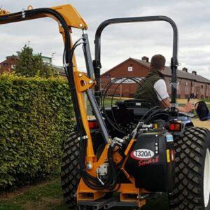 T320A Hedge Cutter