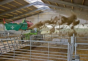 Agricultural Equipment - Straw Spreader & Bale Feeders